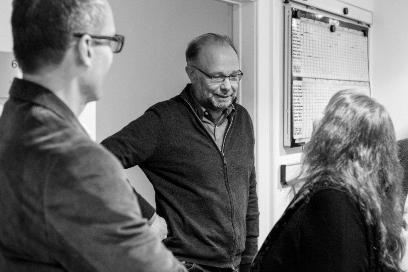 Bernd Ulrich im Gespräch mit Freunden der ZEIT beim Redaktionsbesuch