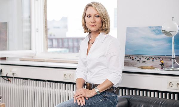 Tanja Stelzer: Die Reportage – Von der Kunst spannend zu erzählen