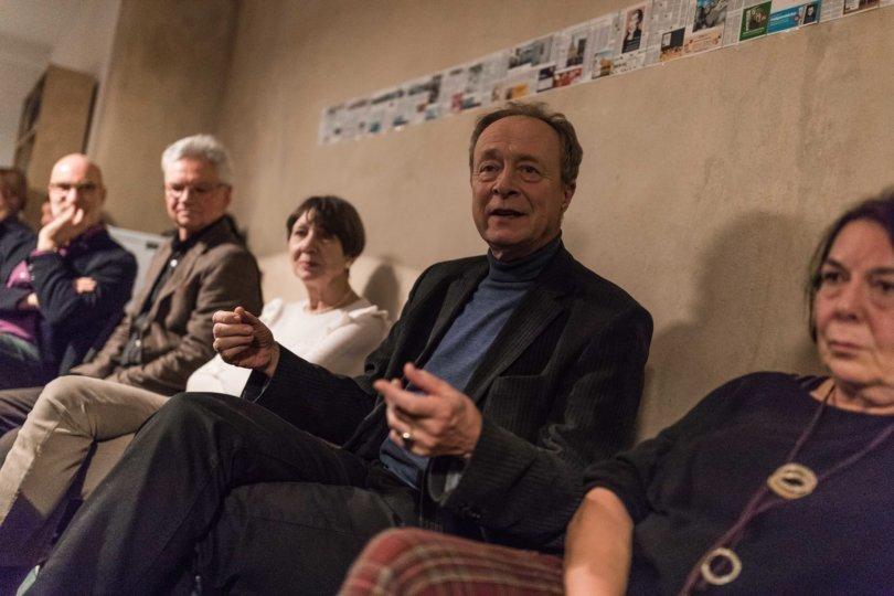 Gespannte Leserinnen und Leser beim Redaktionsbesuch in Leipzig
