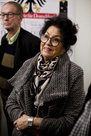 Leserin beim Redaktionsbesuch in Zürich