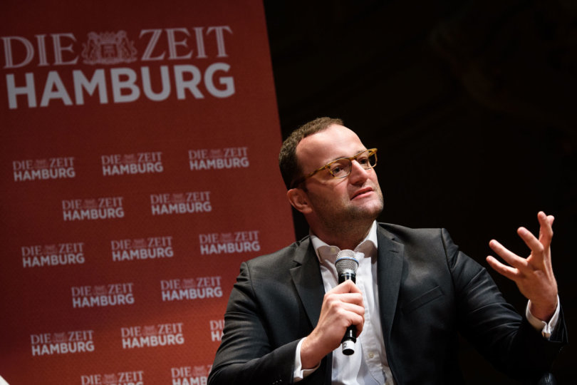 99 Fragen live - Moritz von Uslar spricht Jens Spahn