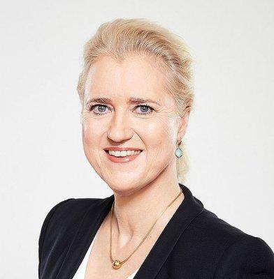 Angela Titzrath