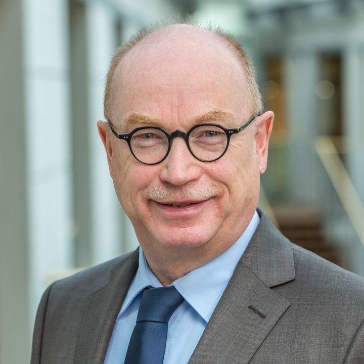 Prof. Dr. Martin Stratmann