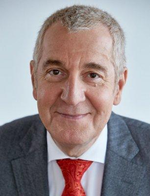 Prof. Dr. Ruediger Siechau