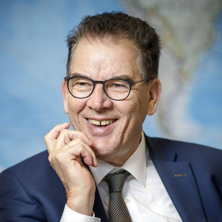 Dr. Gerd Mueller