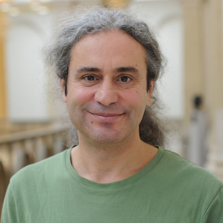 Dr. Turgut Altug