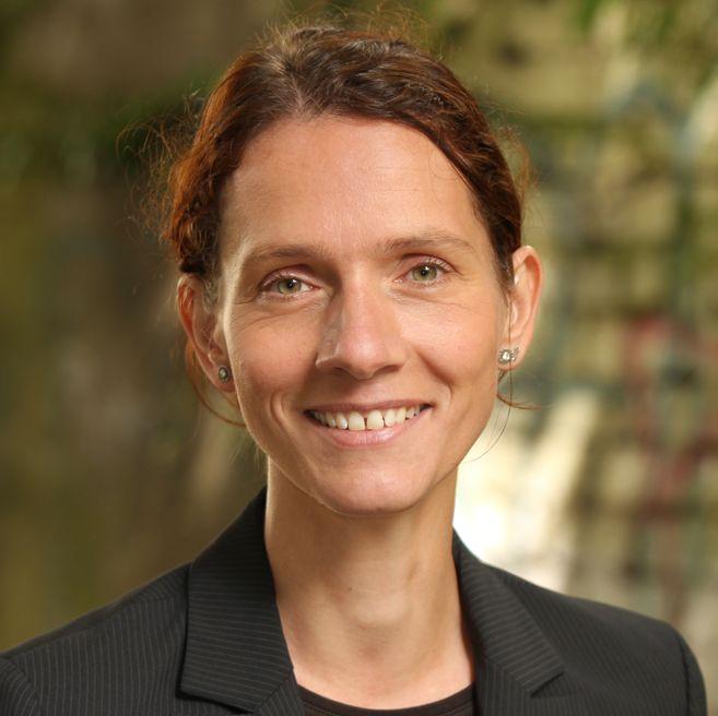 Prof. Dr. Wibke Riekmann